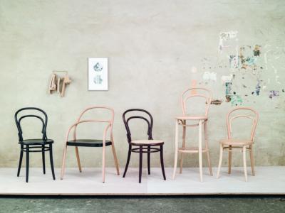 Židle č. 14 v různých variantách a židle č. 002