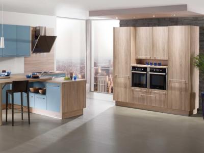 Světle modrá moderní kuchyně Isa